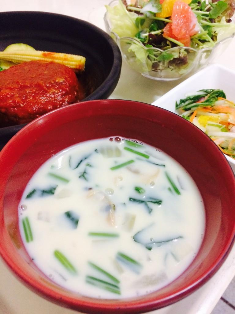 あさりと青菜の豆乳スープ